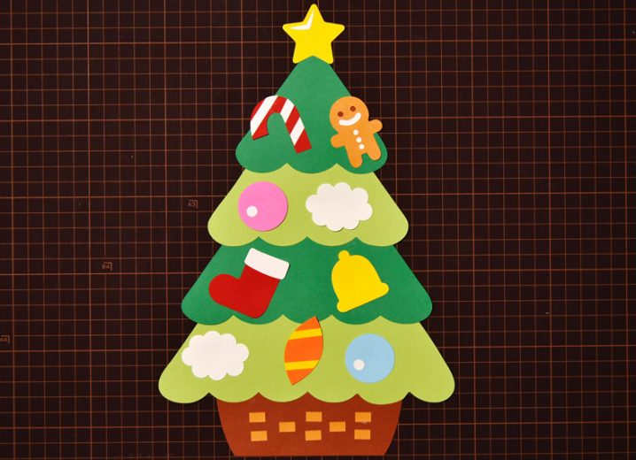 無料ダウンロード型紙で「クリスマスツリー」の壁面飾りを作って